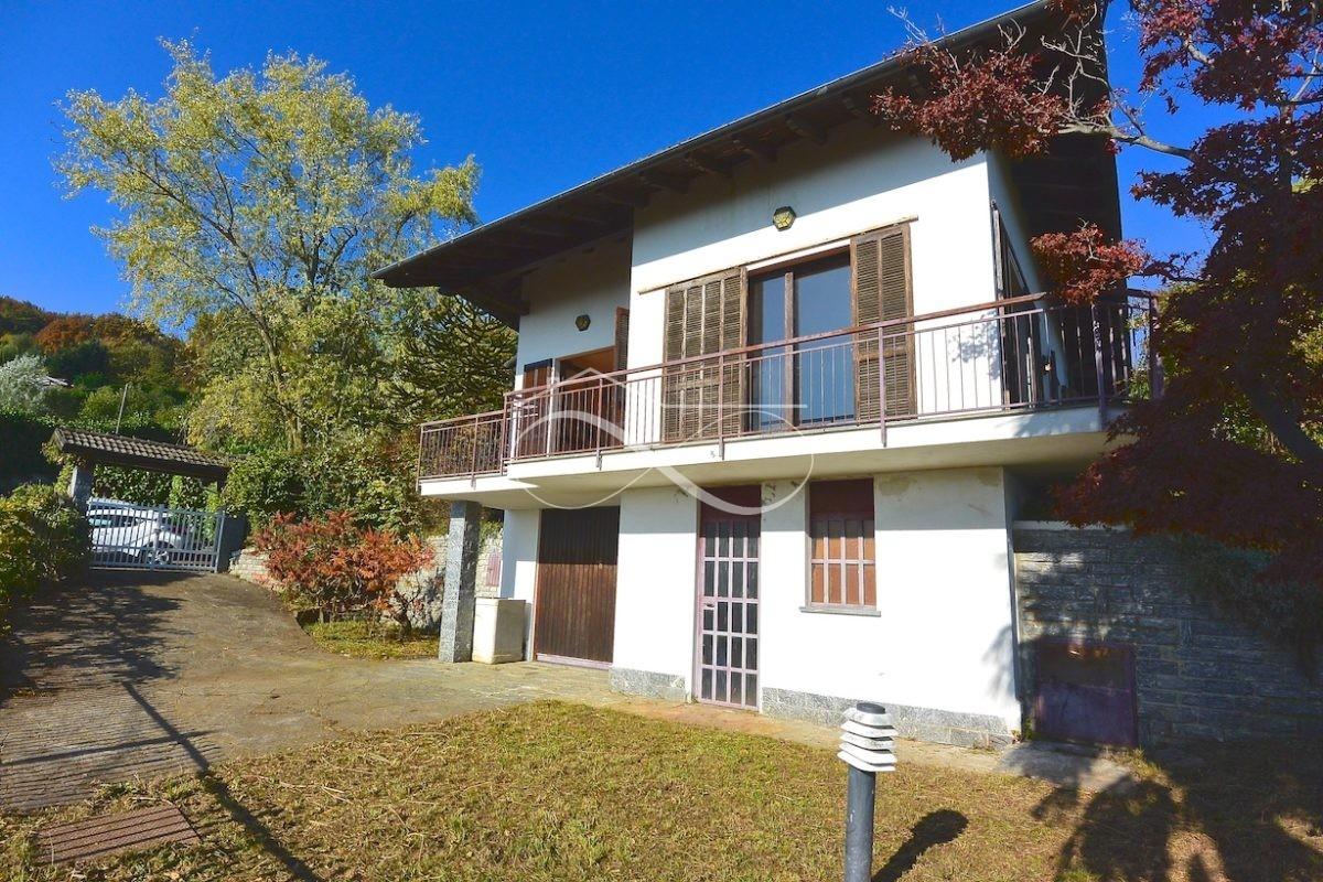 Villa con vista lago Maggiore - Studio Bianco ...